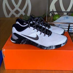 Nike Metcon 4 White/Black